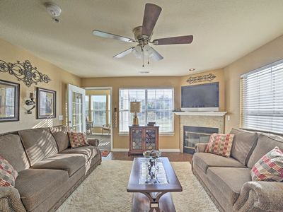 Photo for Blissful Branson Home on Fairway 10 Mins. to Town!