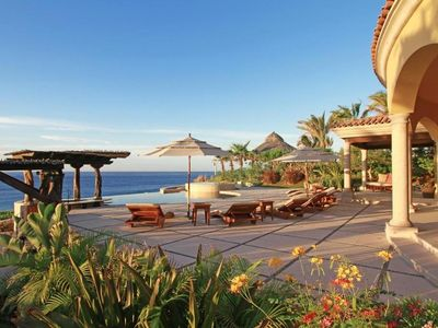 Photo for Luxury Cabo Beachfront Rental with Golf and Amenities
