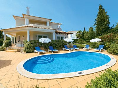 Photo for Modern villa 10 minutes drive from the town with a hot tub and private pool