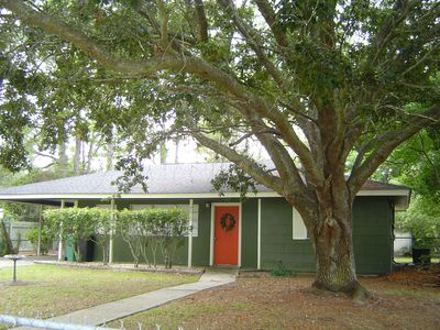 Photo for Cozy Cottage Close to Beach, Downtown and Casinos