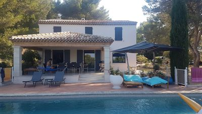 Photo for Aix en Provence Contemporary air-conditioned villa in pine forest large pool