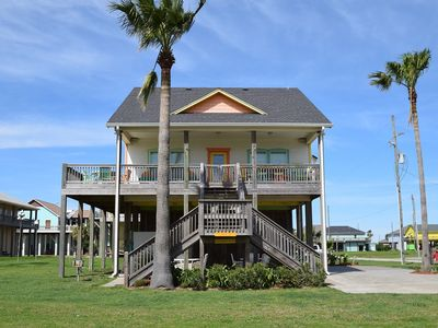 Photo for 3 bedroom 3 bath 2nd row in popular subdivision - Queendom by the Sea