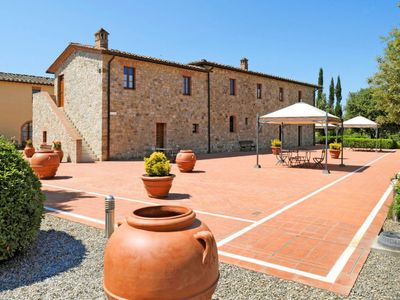 Photo for Apartment Tenuta Le Gallozzole (CTC172) in Castellina in Chianti - 2 persons, 1 bedrooms