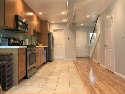 Photo for Modern 2 bedroom cozy home, kid friendly, prime Silicon Valley location