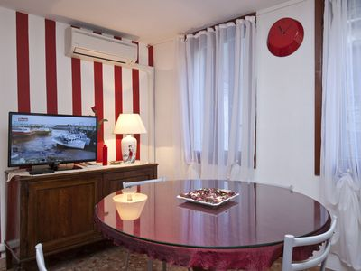 Photo for Green Red and Brown Two Bedroom in San Stae (Venice)