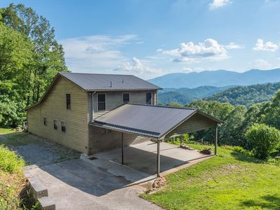 Photo for Hatcher Haven - Amazing view - Close to the Blue-Ridge Parkway