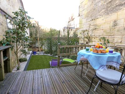 Photo for Lovely Bordeaux shop - Ideally located - WIFI - Air conditioning - Garden