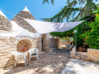 Photo for Trulli Autentici, typical villa in trulli in the countryside of Castellana
