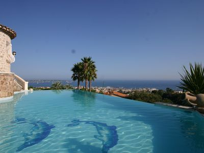 Photo for Luxury Villa, nice sea view, 5 min from Cannes.House with character
