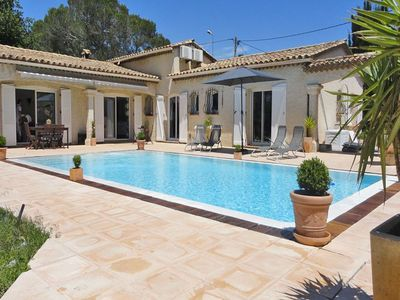 Photo for Detached villa with private pool and air conditioning, 10 km from the Mediterranean