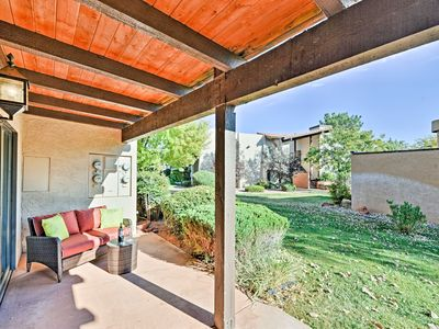 Photo for Bright Condo w/Pool Access & Patio < 8Mi to Sedona