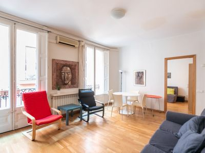 Photo for Large apartment with balcony in the Gothic Quarter for 2