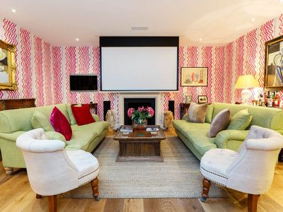 Photo for UP TO 20% OFF - Cosy and Romantic Notting Hill mews house, perfect for 2 (Veeve)