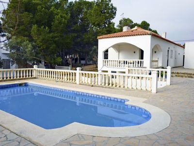 Photo for Stunning private villa for 7 guests with private pool, TV and parking