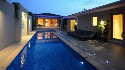 Photo for Stylish Resort - Pool, A/C, Billiards, 2 x OFP