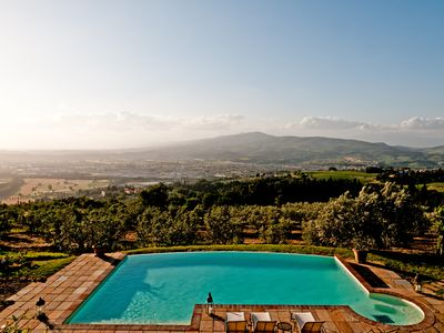 Photo for Private villa with unique view in the Chianti area. Infinity pool with Jacuzzi!