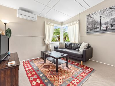 Photo for Stylish 1 Bedroom Apartment in New Farm
