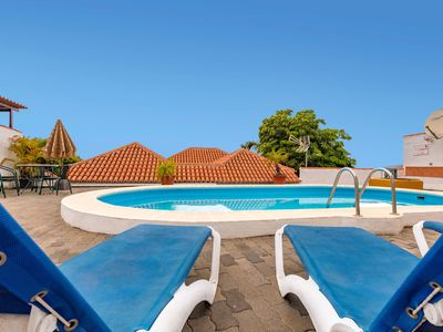 Photo for Holiday cottage with private pool in Los Llanos