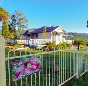 Photo for 3BR Cottage Vacation Rental in Marysville, VIC