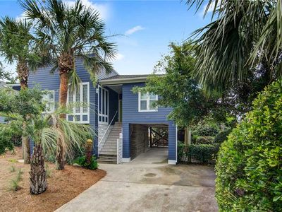 Photo for Livin Easy - Beautiful Pet-Friendly Oceanfront Home, Steps from County Park. Private Deck & Porch.