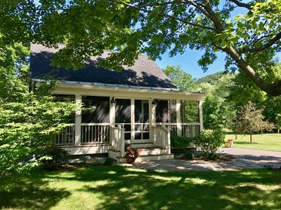 Photo for Laurel Cottage - Adorable home in a sweet location!