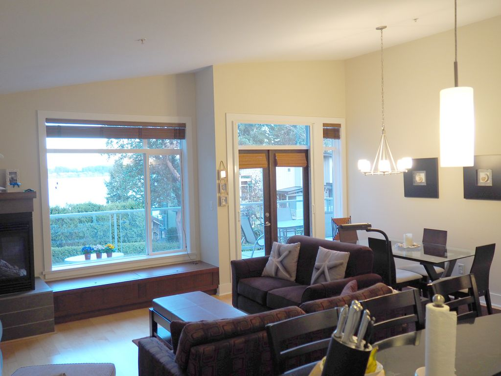 Waterfront Parksville 2 Bedroom, 2 Bath Tow... - VRBO