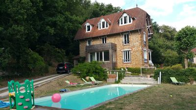 Photo for Traditional French house with pool and forest, 30 'away from Paris center by RER