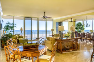 Panoramic ocean views--everywhere. Another reason why we call 202W 'PARADISE'.