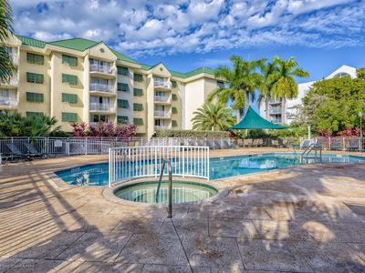 Sunrise Suite 203-Fun and Relaxation of Resort Living,