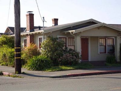 Photo for Charming 1920's Cottage Close to Plaza, HSU