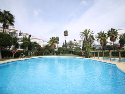 Photo for Charming Sunny Family friendly 2 Bedroom apartment