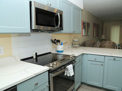 Photo for BRAND NEW KITCHEN Ocean Reef 802 ~ Gulf Front Town House ~ Walk from your deck to the beach~ FRE