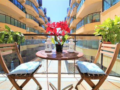 Photo for Modern apartment with WIFI and air-con near beach, Beachside in walking distance to port and centre