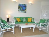 Lovely apartment with pool - close to beach, shops and restaurants
