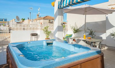 Jacuzzi Torrevieja.Villa With Private Hot Tub And Communal Pools Orihuela