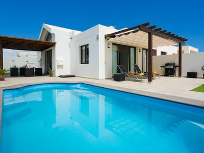 Photo for One bedroom Villa, sleeps 4 with Pool, Air Con and FREE WiFi