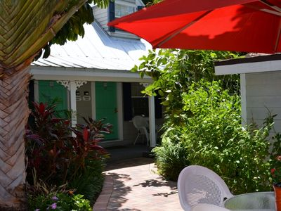 @@ Steps from Duval 1 Bedroom Townhouse in great complex Hidden secret @@