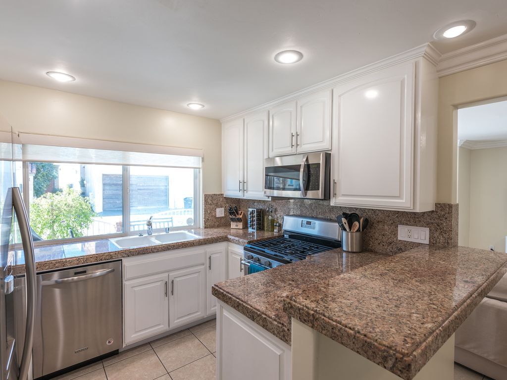 Two Bedroom Two Bath Condo One House From The Sand Newport Beach Orange County California