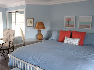 Photo for Ocean view, king bed