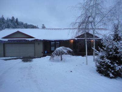 Driveway winter access suitable parking for four vehiclesmax