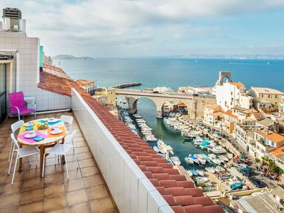 Photo for Apartment with stunning views of the small port of the vallon des auffes