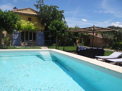 Photo for Villa in Provence, calm, swimming pool and village BIO