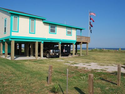 Beachfront - Awesome for Families - Close to Town - Sleeps 12