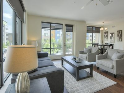 Photo for Luxurious Large 2 bed 2 bath Downtown Condo- #502