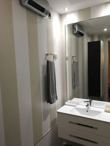 Photo for Cozy Apartment in Triangle of Art Madrid / 1B Derecha