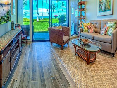 Enjoy it all! Newly renovated Oceanfront suite w/full kitchen, TV+ceiling fans–Molokai Shores 131