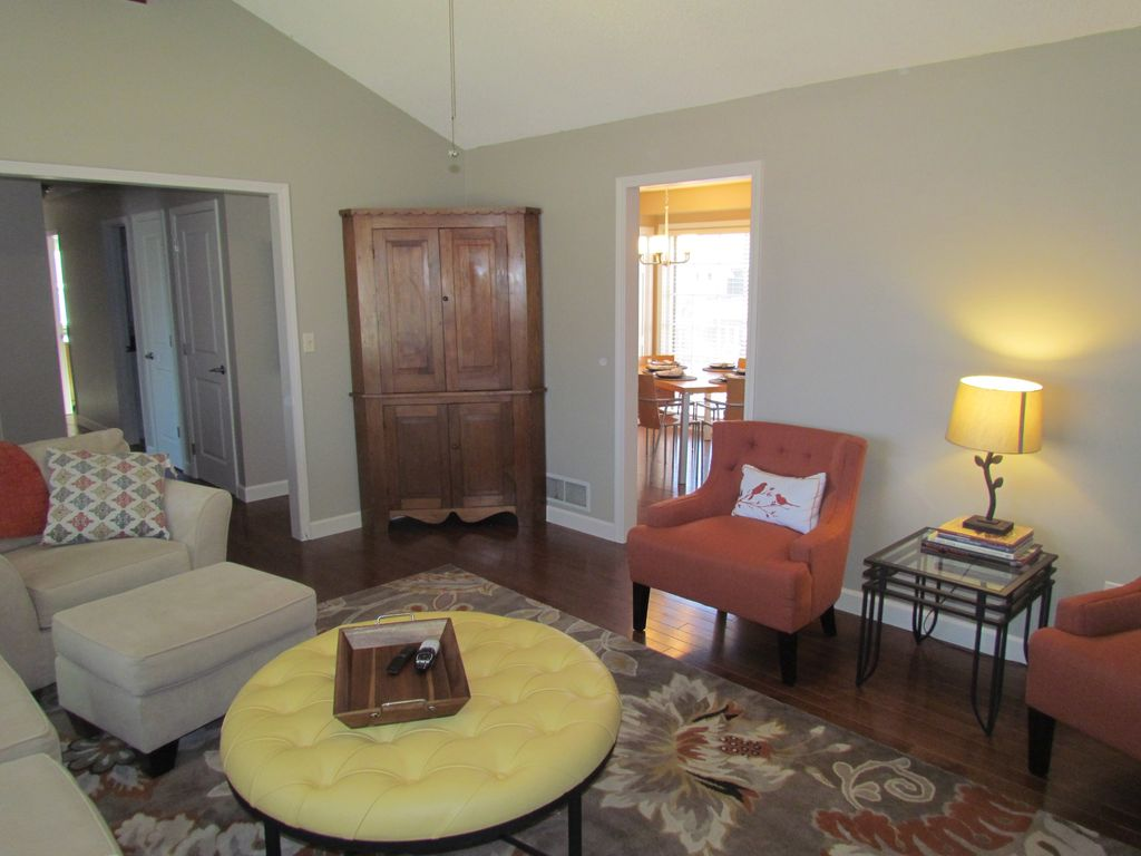Beautiful Overland Park Home Has 3 Bedrooms And 2 Full Baths Large Deck And  Yard
