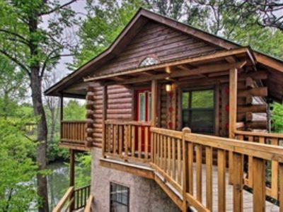 Photo for River Rush Cozy Riverfront Cabin in Pigeon Forge