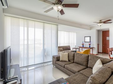Cozy Vacation Apartment: Enjoy The Beach, The Sea, Relax & Have Fun!! ツ