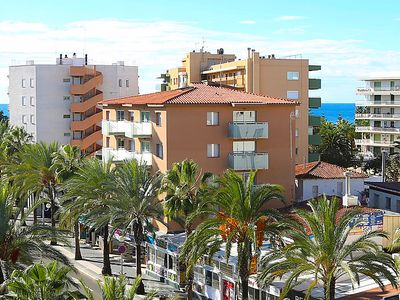 Photo for 2 bedroom Apartment, sleeps 4 in Salou with Air Con and WiFi